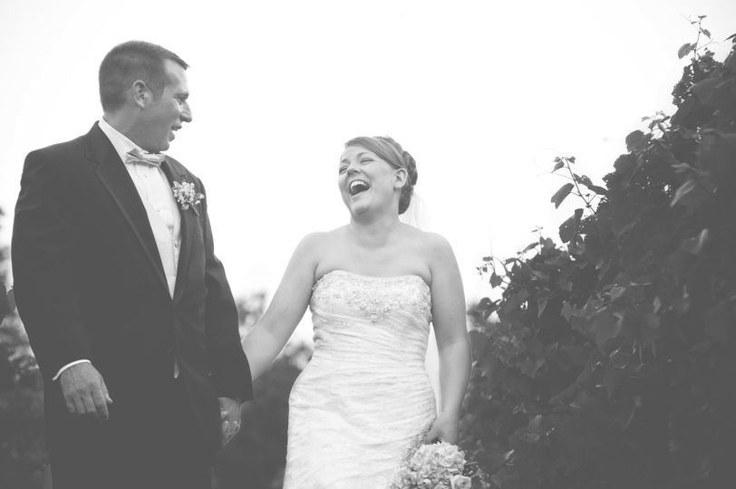 Andy & Brittni, photographed @ an east Tennessee winery