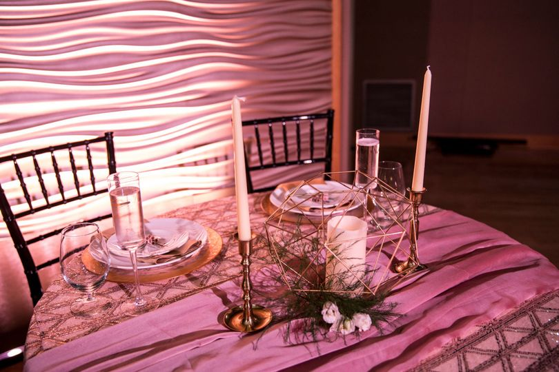 Newlyweds' table setup