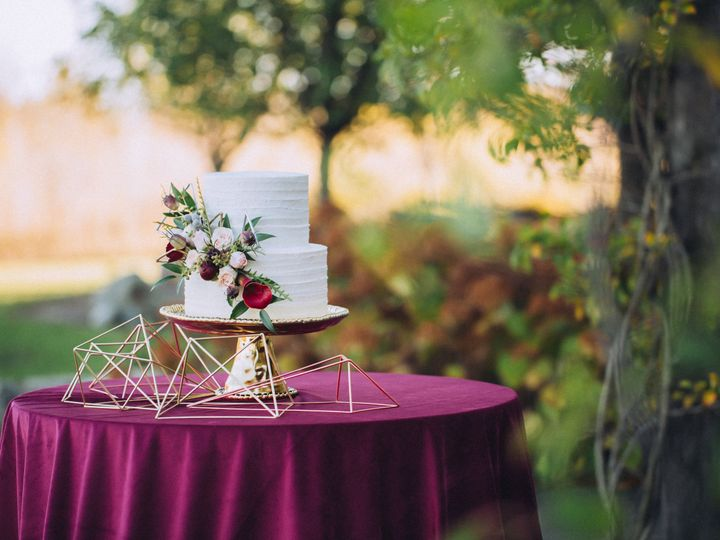 Tmx Riverstone 0043 Cake 51 1010682 Fort Atkinson, WI wedding venue