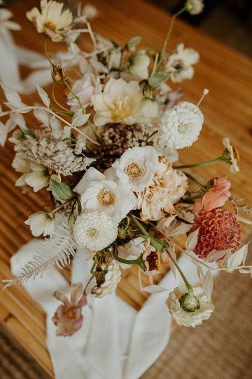 Minimalist Light Bouquet