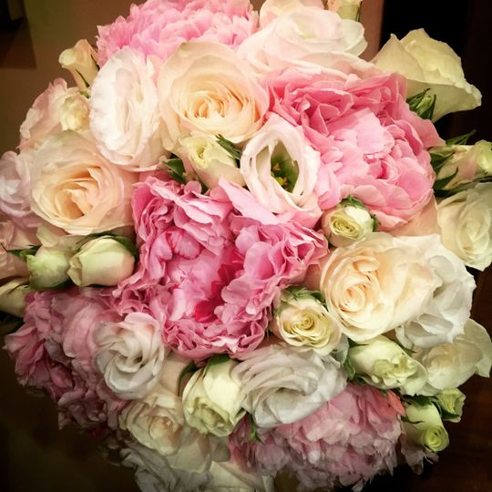 Soft tone wedding bouquet