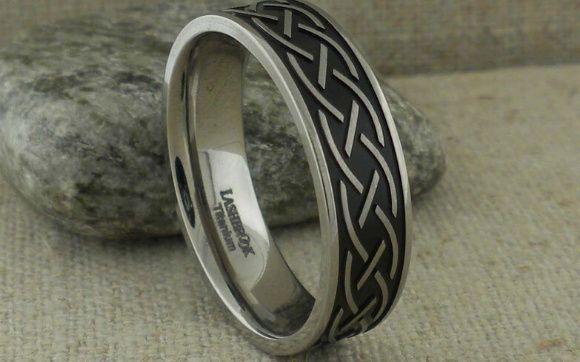 29 Titanium Celtic Ring