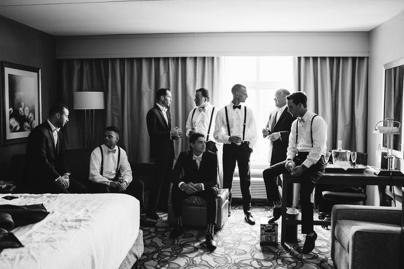 Groomsmen getting ready moment
