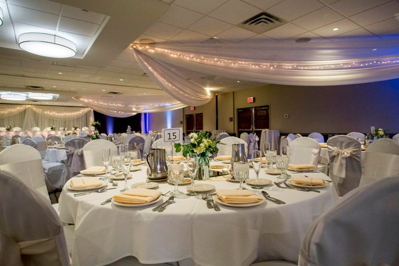 embassy suites bloomington white wedding 51 58682 1566488617
