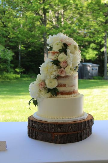 Semi Naked Cake with Peony's and Ranunculus