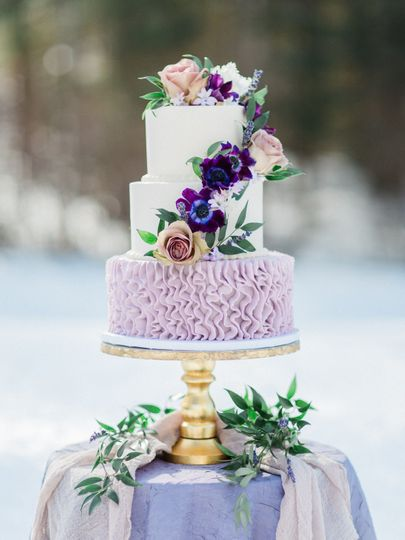Ruffle Cake with Anenome and Roses