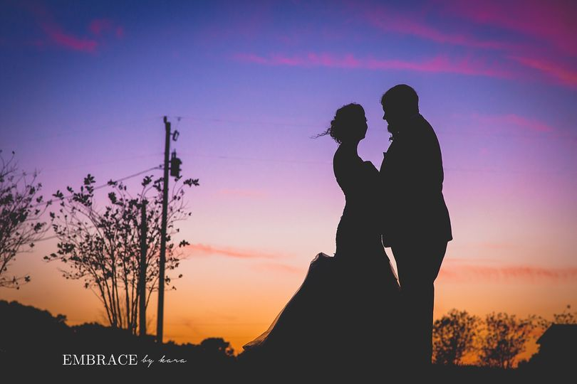 top wedding photographyembrace by karacentral flor