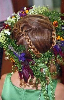 Hair wreath designed by Juli Perry, Dan's Flower Farm, Sedgwick Maine