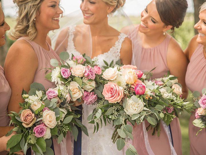 Tmx 493a2932 51 44782 1558117275 Pella, Iowa wedding florist