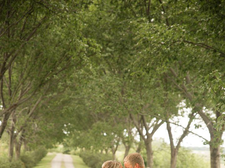 Tmx 493a3069 51 44782 1558117276 Pella, Iowa wedding florist