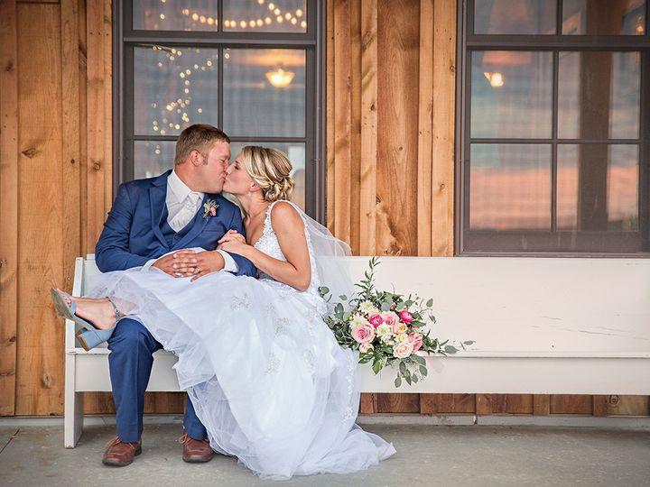 Tmx 493a4919 51 44782 1558117278 Pella, Iowa wedding florist