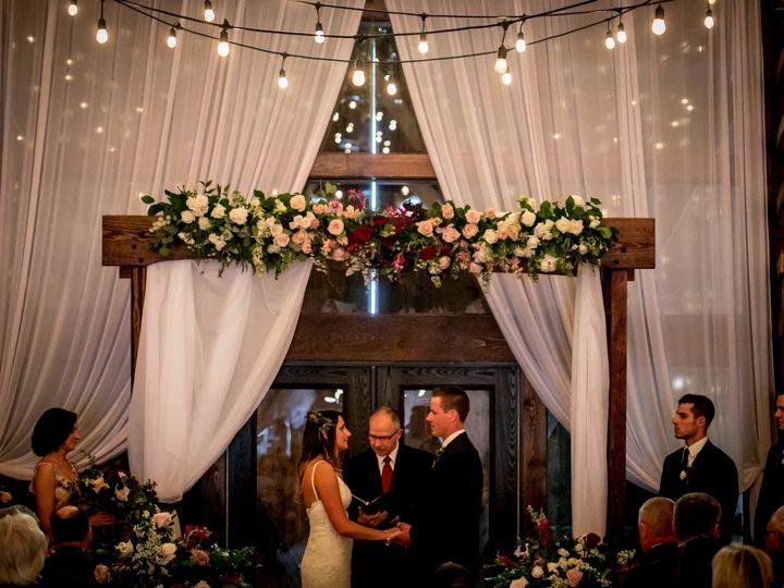 Tmx 5v2a1412 51 44782 1558127050 Pella, Iowa wedding florist