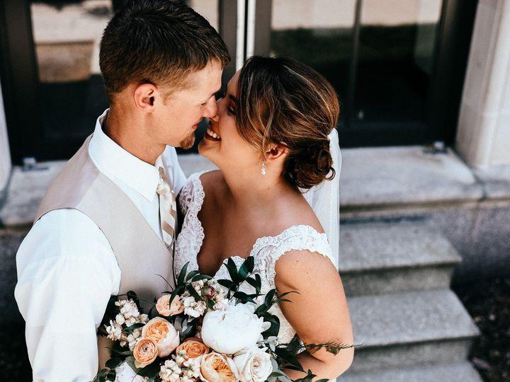 Tmx Amyalex 1610 51 44782 1558117972 Pella, Iowa wedding florist
