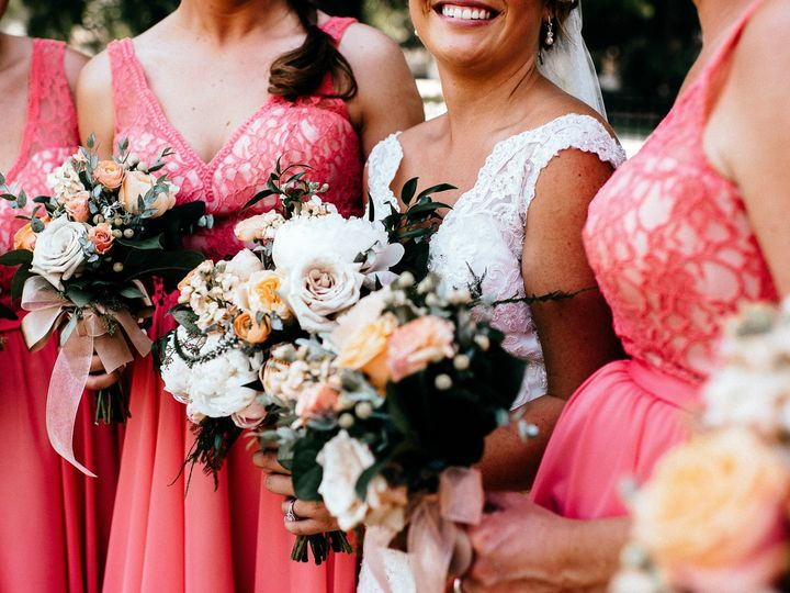 Tmx Amyalex 2669 51 44782 1558117975 Pella, Iowa wedding florist