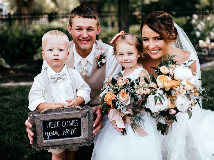 Tmx Amyalex 3352 51 44782 1558117974 Pella, Iowa wedding florist