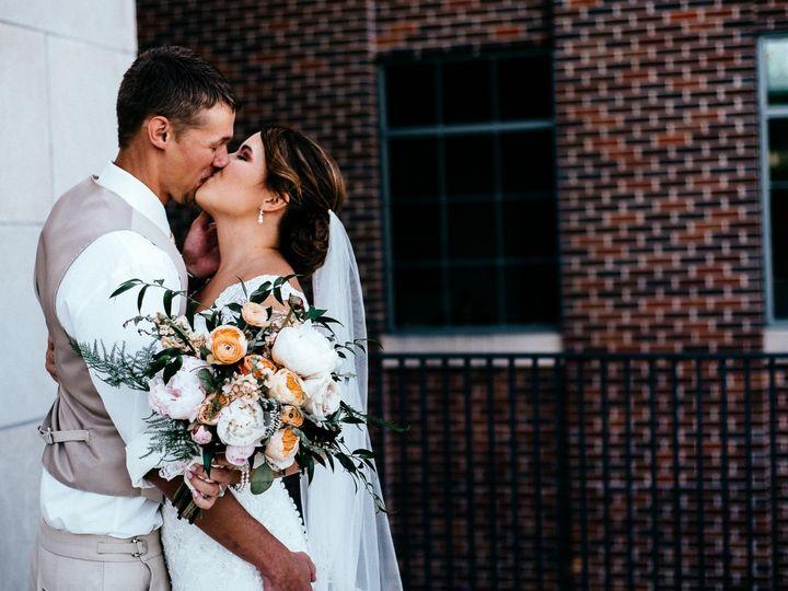 Tmx Amyalex 4271 1 51 44782 1558117981 Pella, Iowa wedding florist