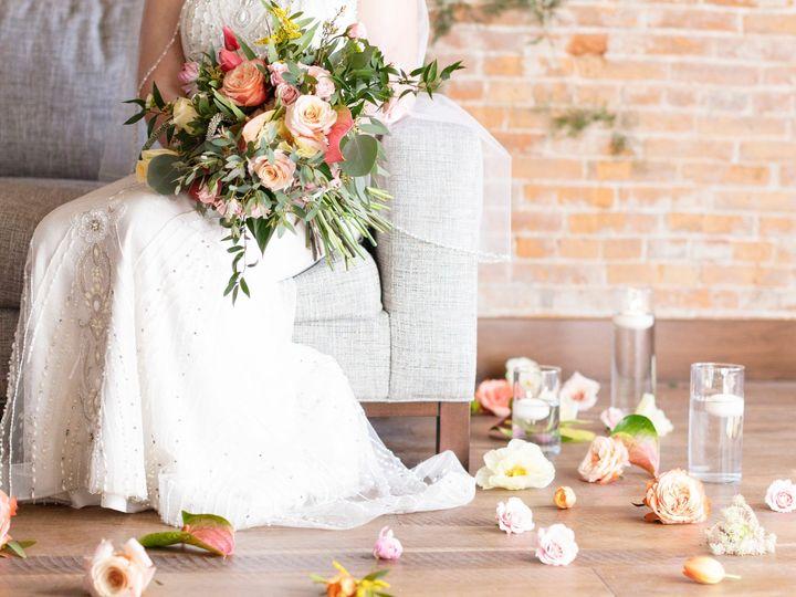 Tmx Hfp Styled Shoot 31619 32 51 44782 1558126512 Pella, Iowa wedding florist