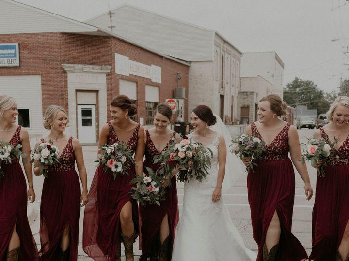 Tmx Lkw256 51 44782 1558116804 Pella, Iowa wedding florist