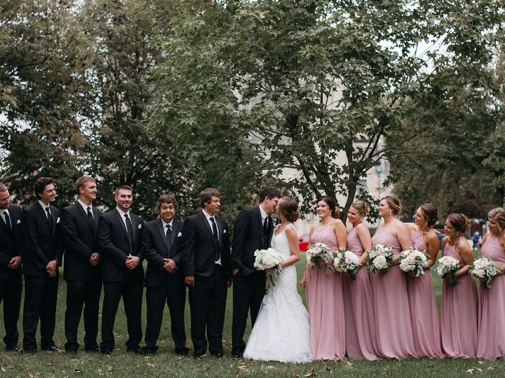 Tmx Portraits 211 51 44782 1558118126 Pella, Iowa wedding florist