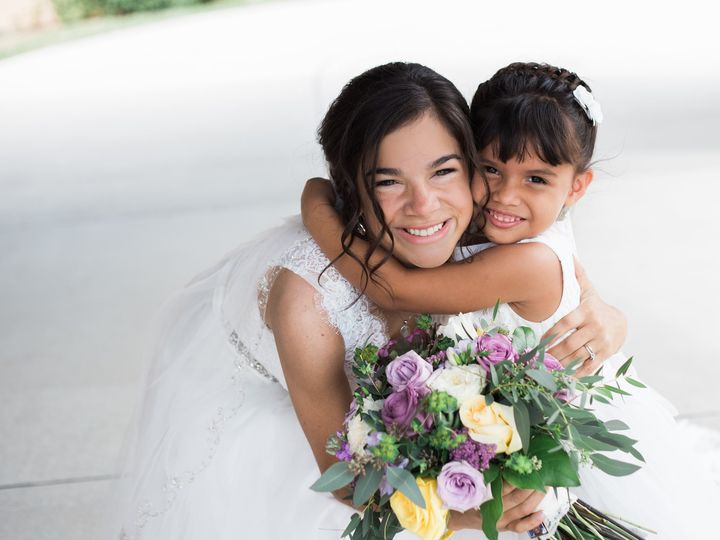 Tmx Thistles Thistles 0064 51 44782 1558117421 Pella, Iowa wedding florist