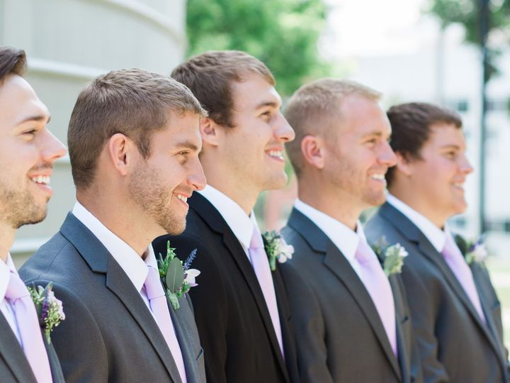 Tmx Thistles Thistles 0074 51 44782 1558117421 Pella, Iowa wedding florist