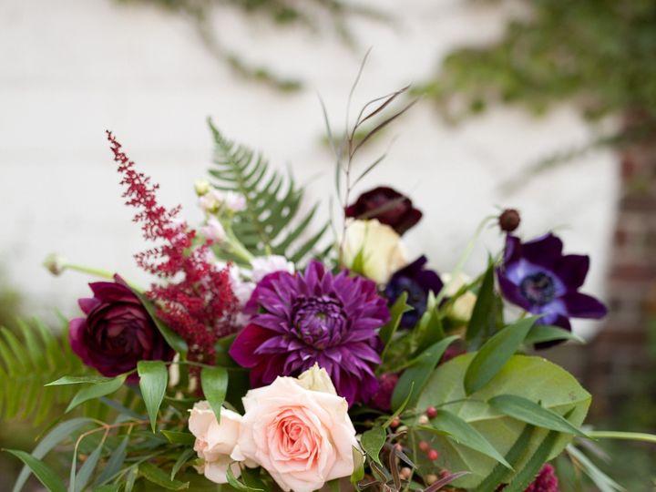 Tmx Thistlesaug31 Thistlesaug31 0038 51 44782 1558117792 Pella, Iowa wedding florist