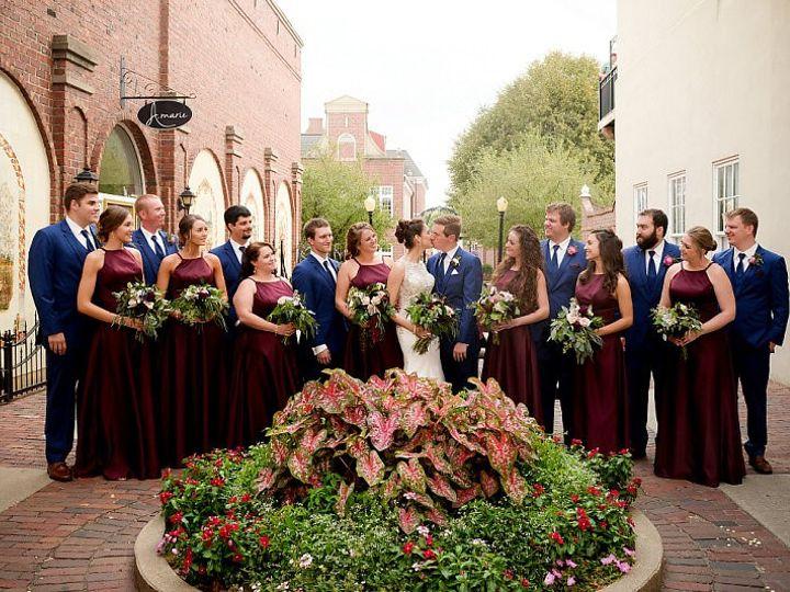 Tmx Wed375 51 44782 1558117493 Pella, Iowa wedding florist