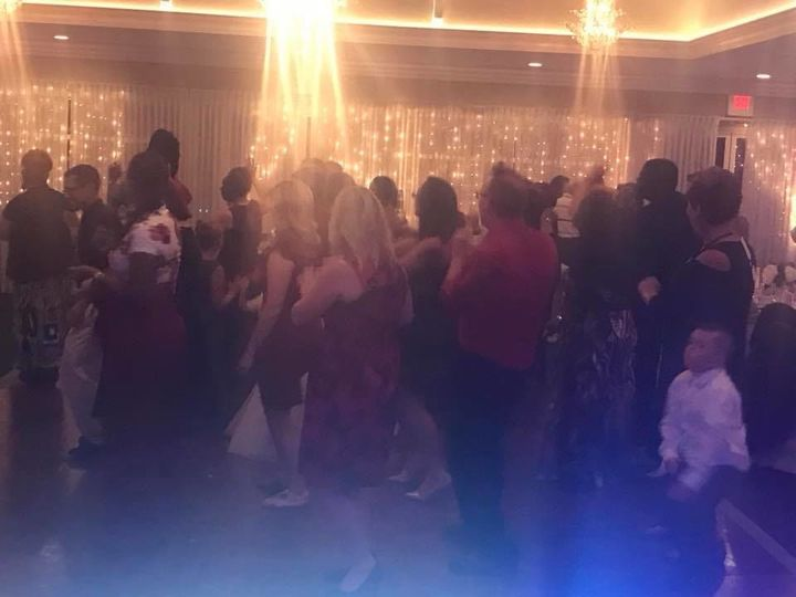 Tmx 1523412171 6491a5b6efded320 1523412169 3ad181d73c3e0af7 1523412160722 5 Dancing4 Philadelphia wedding dj