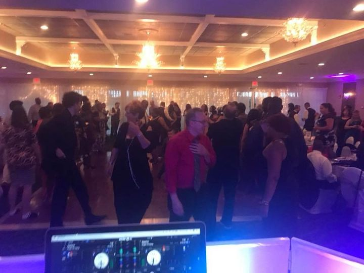 Tmx 1523419923 081d8c1aa674b397 1523419894 0752e14223408db4 1523419893704 12 Dancing2 Philadelphia wedding dj