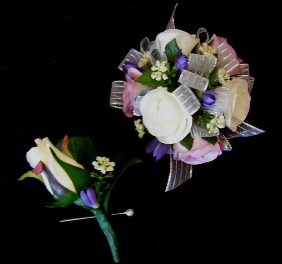 Corsage and boutonneir