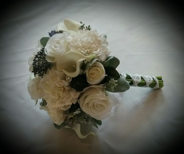 Brides Cluster Bouquet