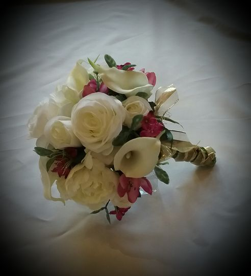 Rose, Calla Cluster Bouquet