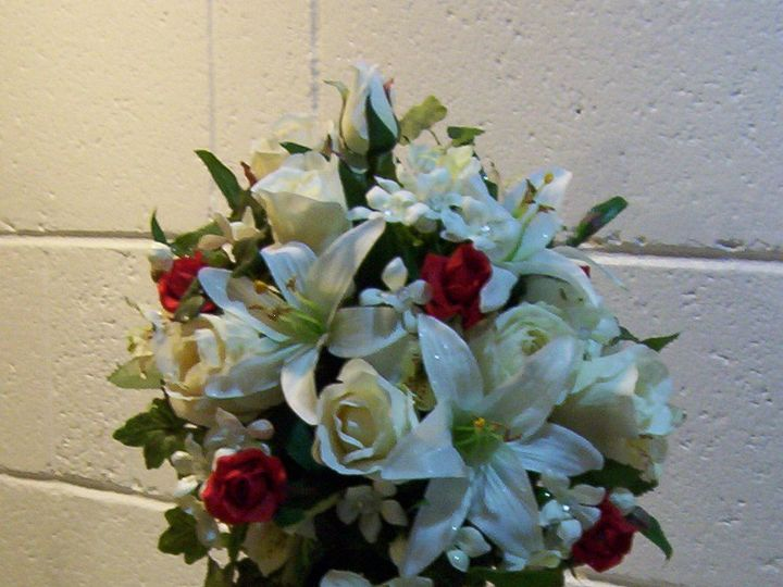 Tmx 1372878335955 Chingway Bride 1 Oak Creek, Wisconsin wedding florist