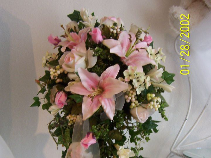 Tmx 1372878805710 Moms Pictures 018 Oak Creek, Wisconsin wedding florist