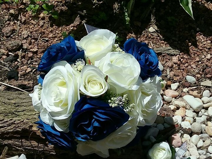 Tmx 1524588887 438290e93d7c565f 1524588885 8caae86197ccd11f 1524675402544 3 Marmolejo Set Oak Creek, Wisconsin wedding florist