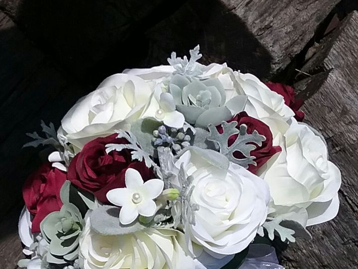 Tmx 1524589093 C476ba430657255e 1524589092 65c187638bb39fbb 1524675608898 6 Strigenz Bride Oak Creek, Wisconsin wedding florist