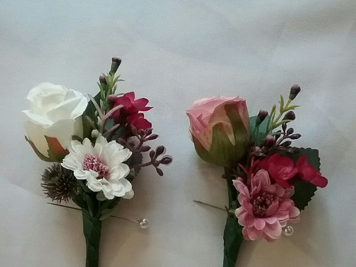 Tmx Boutonniers 51 102982 159060248656323 Oak Creek, Wisconsin wedding florist