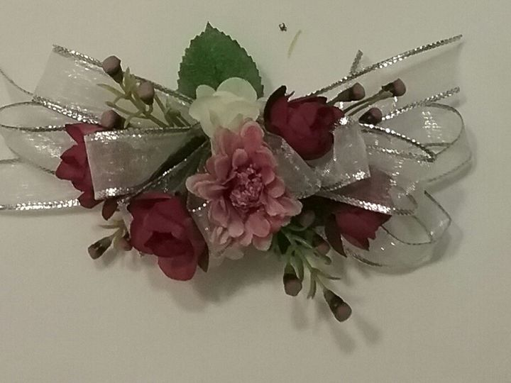 Tmx Corsage 5 51 102982 159060251520919 Oak Creek, Wisconsin wedding florist