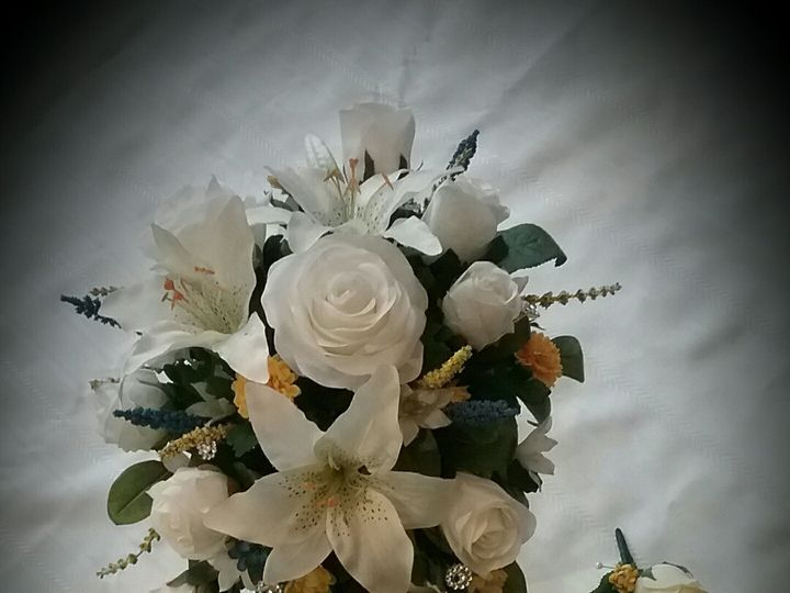 Tmx Longmeyer Bride And Groom 51 102982 159060275287122 Oak Creek, Wisconsin wedding florist