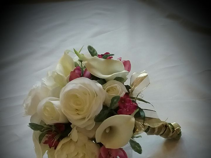 Tmx Rangel Brides Bouquet 51 102982 159060281014750 Oak Creek, Wisconsin wedding florist