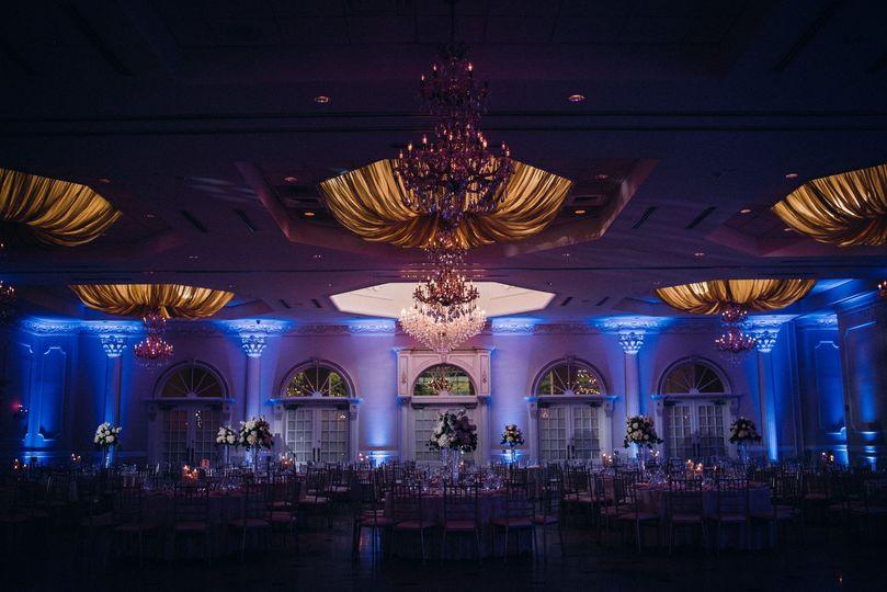 Pinspot Lighting to Highlight Centerpieces