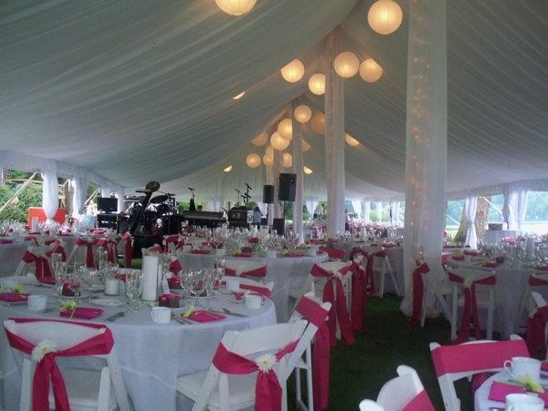 Pink reception decor and lanterns