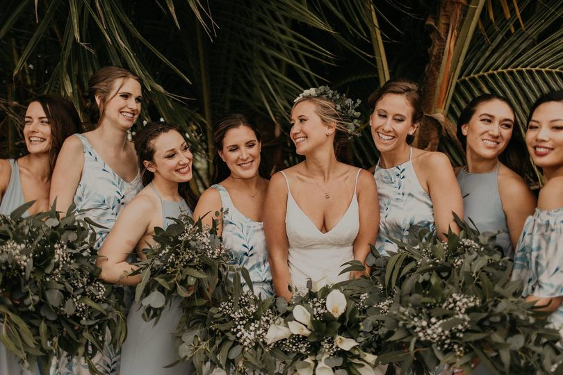 675be8438bb095e2 1530032411 c44c7db52c05ae25 1530032409218 3 bridesmaids
