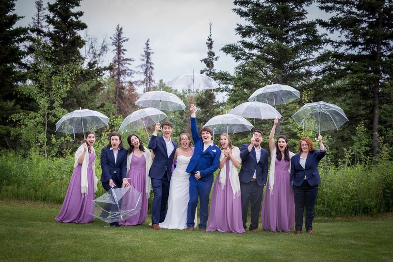 Matching umbrellas for the wedding party