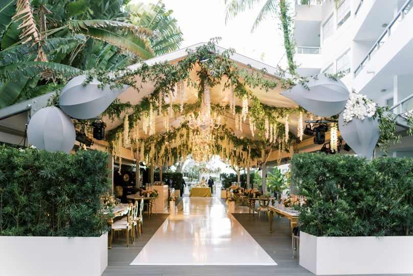 Garden Deck Tent with Greenery