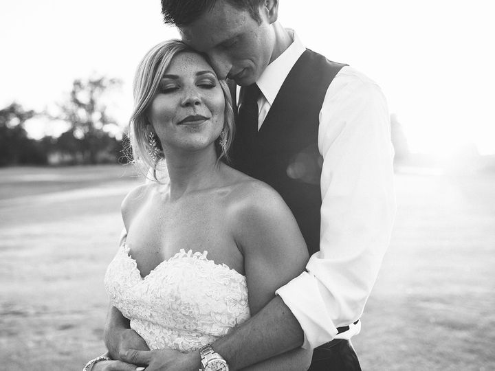 Tmx Emilycapiscioltophoto 455 51 483092 Byron Center, MI wedding venue