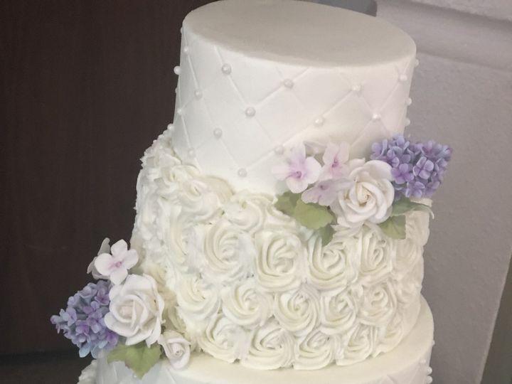 Tmx 1538918278 9fe2e065ba60af08 1538918274 6c8728525b0400b0 1538918256056 6 837606E0 43A7 4F67 Louisville, KY wedding cake