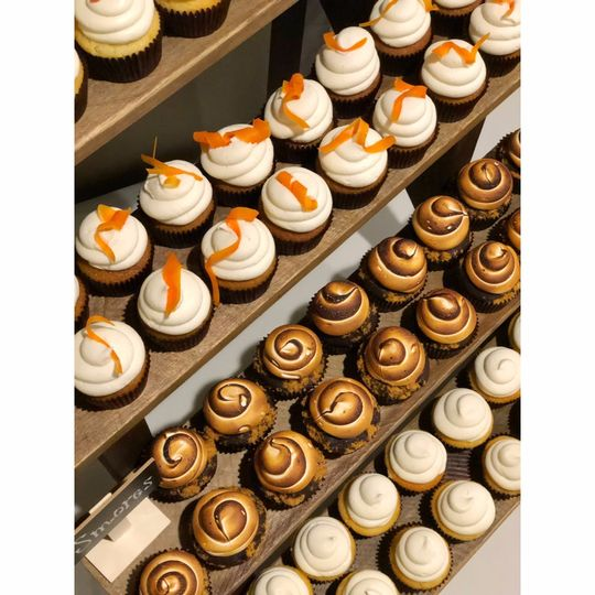 S'mores, carrot, and vanilla cupcakes