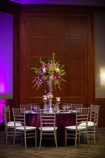 Table and chairs arrangement