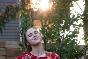 Julianna Zachariou - Singer, Songwriter